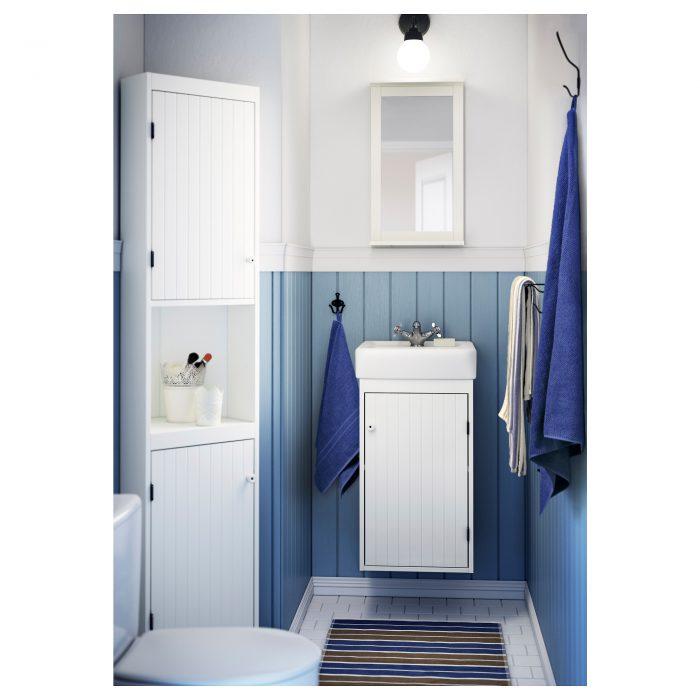 дизайн ванной в бело-голубом стиле