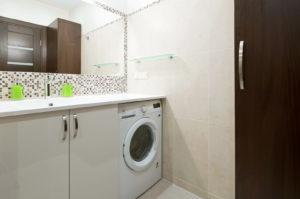 Эргономичное расположение стиральной машины в ванной комнате